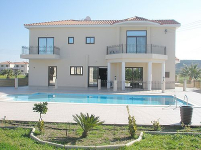 5 Bedroom Detached House with Maids Quarters in Larnaca